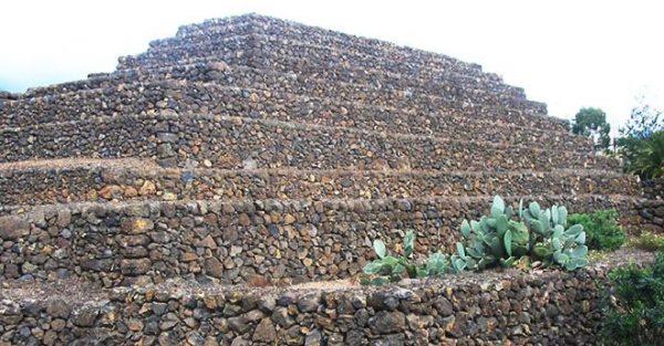 pyramids etna2